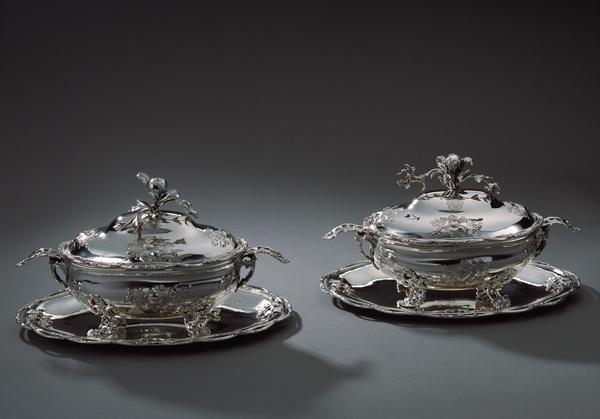 viebahn fine arts kunsthandwerk paar silber terrinen mit pr sentoirs eutin 1763 silber. Black Bedroom Furniture Sets. Home Design Ideas