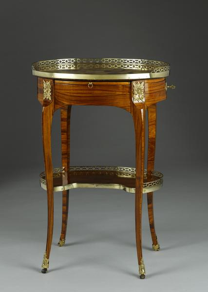 Viebahn fine arts tables gu ridon paris epoque - Table de chevet louis xv ...