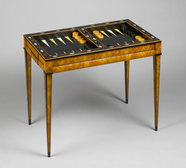 Backgammon Tisch